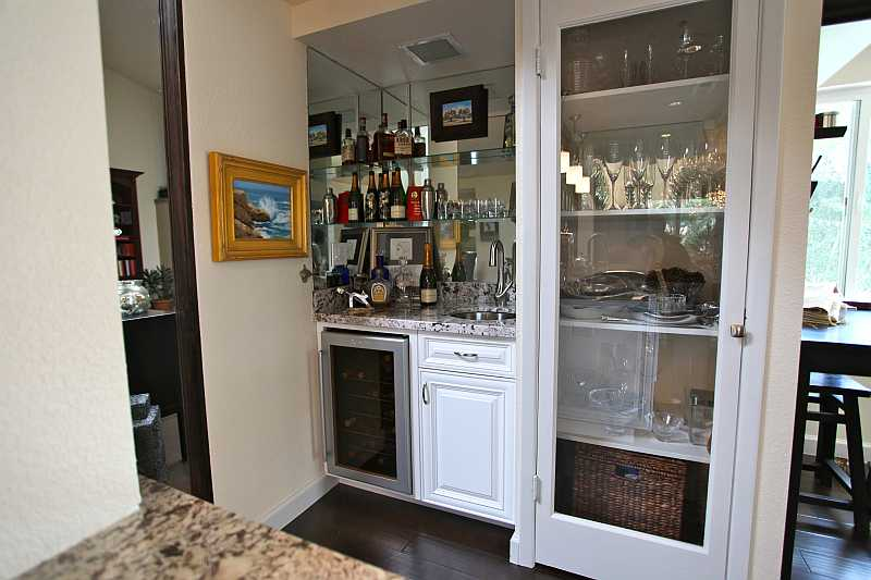 Modern kitchen wine cooler traditional interi - Kitchens with wine coolers ...
